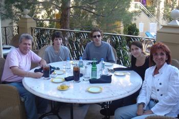 Family in Vegas