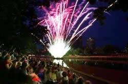 Melbourne Yarra NYE Firework Display